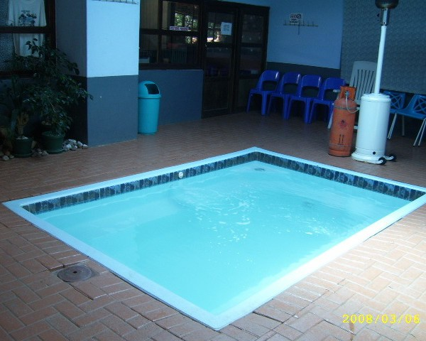 heated-pool-600x480